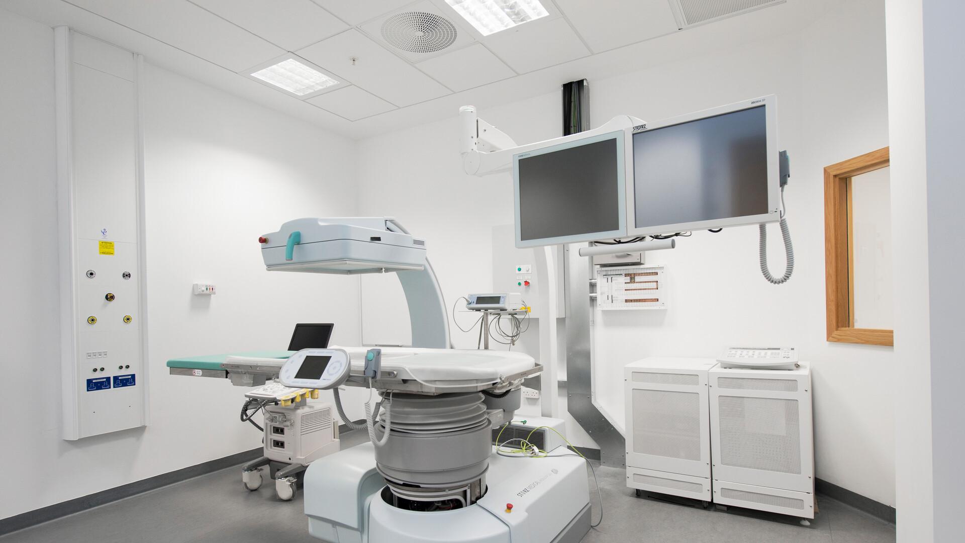 Verwendete Produkt(e): Rockfon® MediCare® Standard, 600 x 600