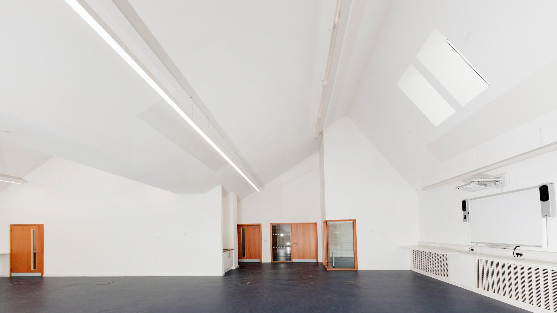 King Edward VI College, UK, Stourbridge, 500m2, Bryant Priest Newman (BPN), King Edward VI College, Pacy & Wheatley, Simon Jones, Mono® Acoustic ceiling system, White
