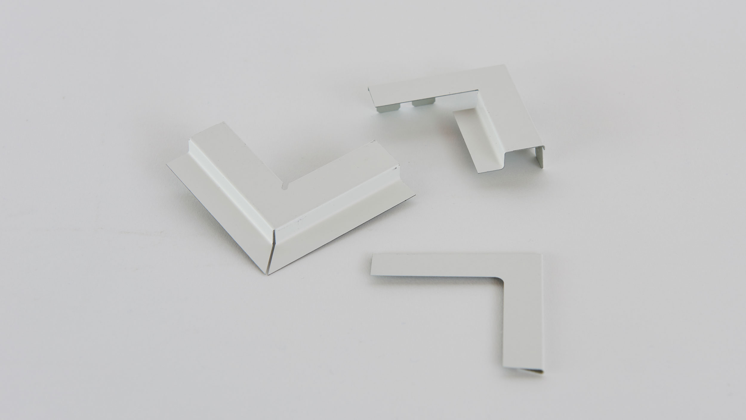 2500x1407-accessories-for-wall-angles